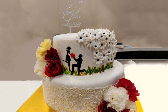 Online cake delivery for Anniversary